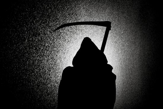 тень смерть страшилка картинка