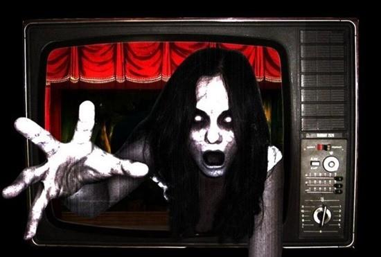 женщина в телевизоре картинка страшилка