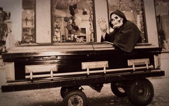 гробик на колесиках страшилка читать
