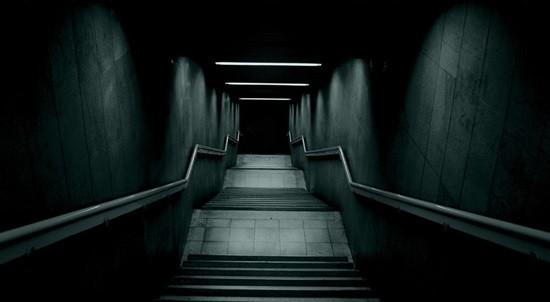 Темный подвал страшилка