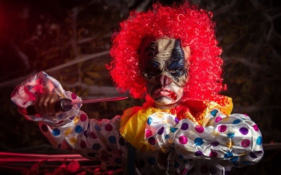 клоун с ножом страшилка