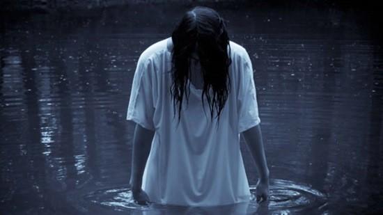 Девушка в воде страшилка