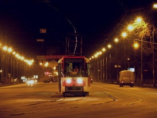 тролейбус ночь фото