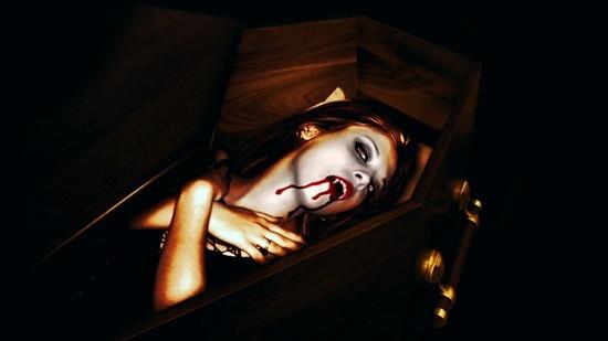 вампира спит в гробу фото
