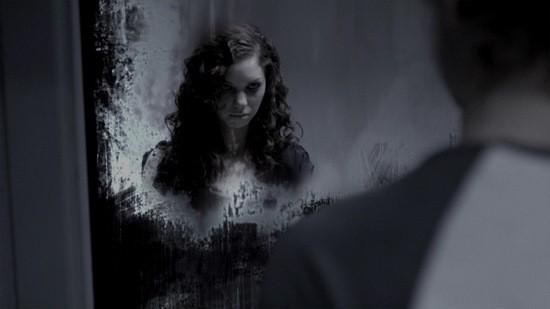 в зеркале страшилка